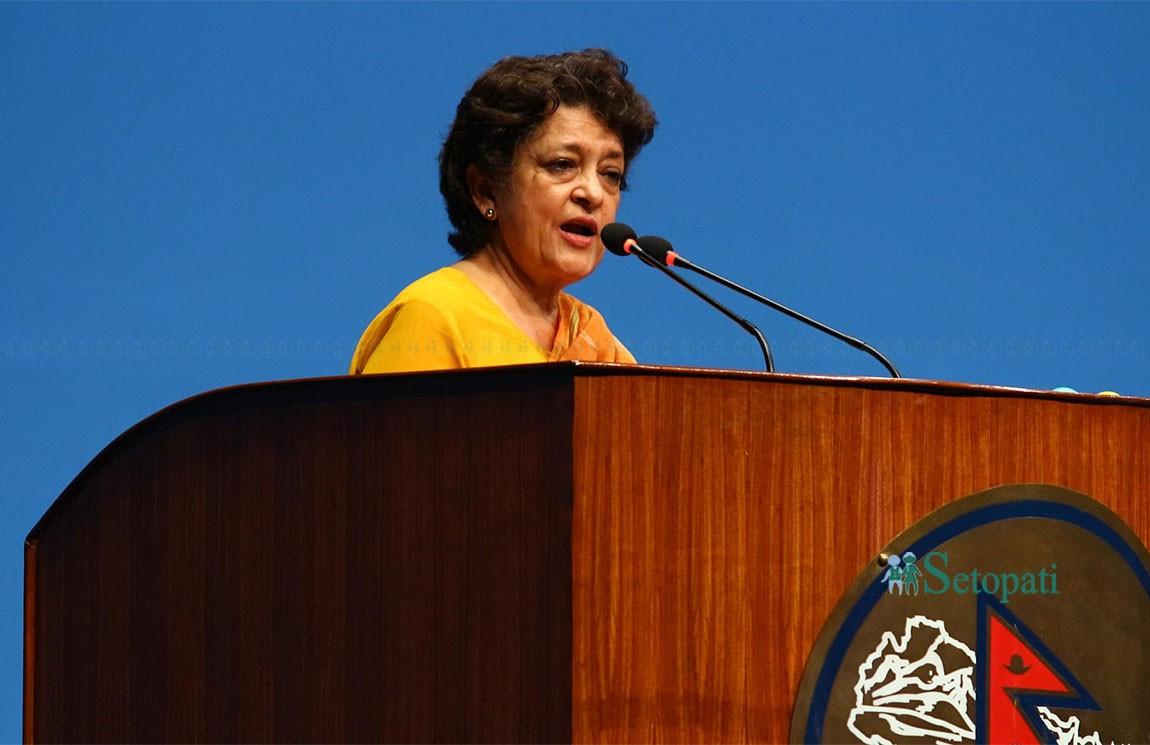 संसदमा बजेट माथिको छलफलको क्रममा बोल्दै नेपाली कांग्रेसकी नेतृ सुजाता कोइराला। तस्बिरः निशा भण्डारी
