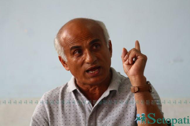 डाक्टर गोविन्द केसी। तस्विर: निशा भण्डारी/सेतोपाटी