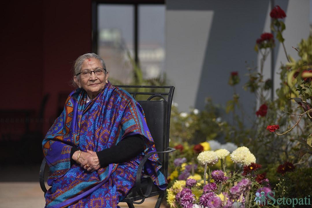 ८५ वर्षीया नारायणदेवी श्रेष्ठ। तस्बिरः नारायण महर्जन/सेतोपाटी