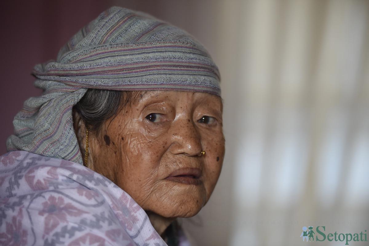 ८५ वर्षीया तारादेवी राई। तस्बिरः नारायण महर्जन/सेतोपाटी
