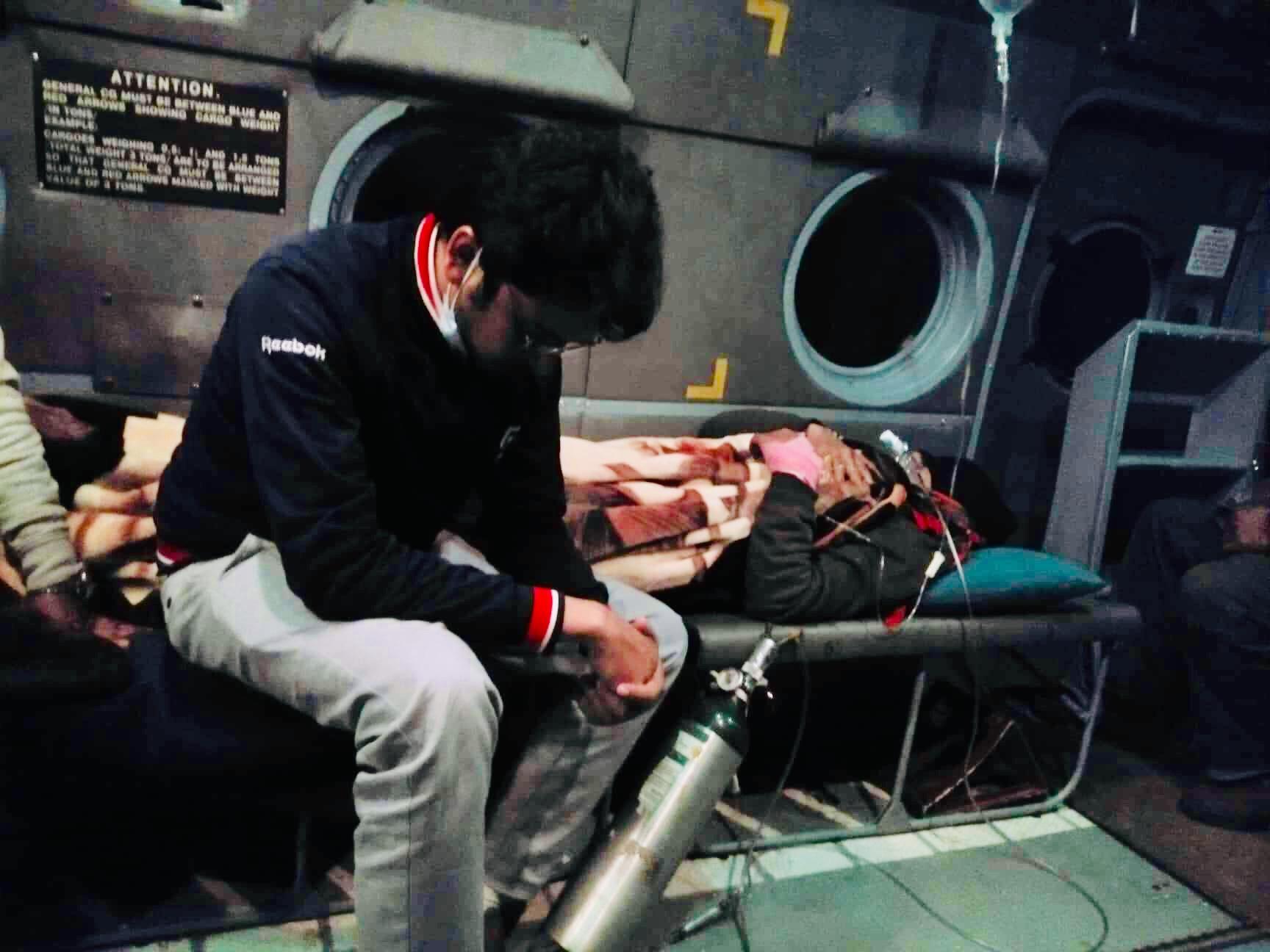 डा. केसीलाई बिहान ३ बजे हेलिकप्टरमा काठमाडौं ल्याइयो, टिचिङ अस्पतालको आइसियु भर्ना