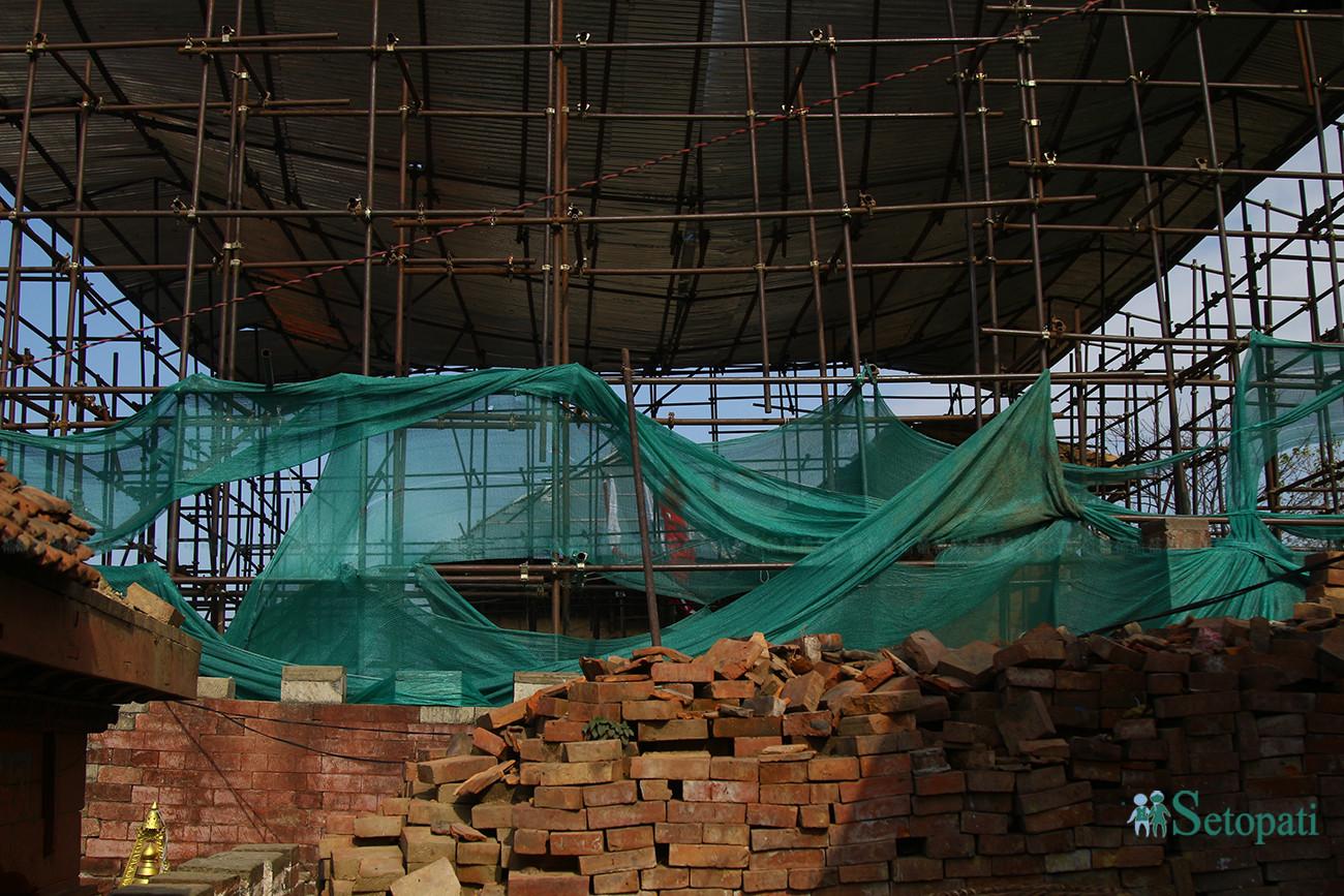 गोरखा दरबार पुनर्निर्माण हुँदै। तस्बिरः निशा भण्डारी/सेतोपाटी