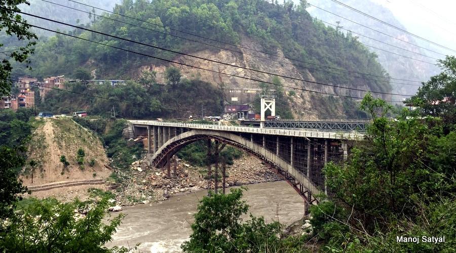 मुग्लिनमा निर्माण भएको आर्क पुल। फोटो : मनाेज सत्याल