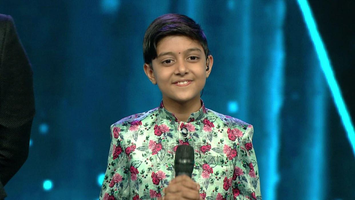 जिटिभीको कार्यक्रम 'सारेगमप लिटल च्याम्प्स' मा भक्तपुरका १२ वर्षीय आयुष केसी।