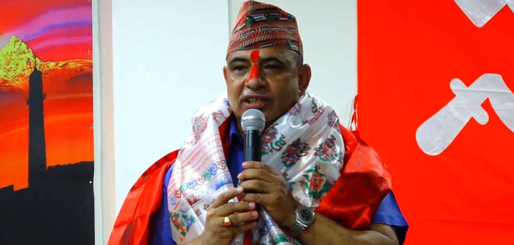 असोज २०७५ मा नेपाल कम्युनिष्ट पार्टी प्रवेश गरेपछि सम्बोधन गर्दै महेशप्रसाद दाहाल। फाइल तस्बिर : रासस