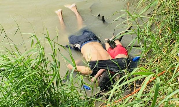 बाबुछोरीको संसार 'हल्लाउने' तस्बिरको कथा