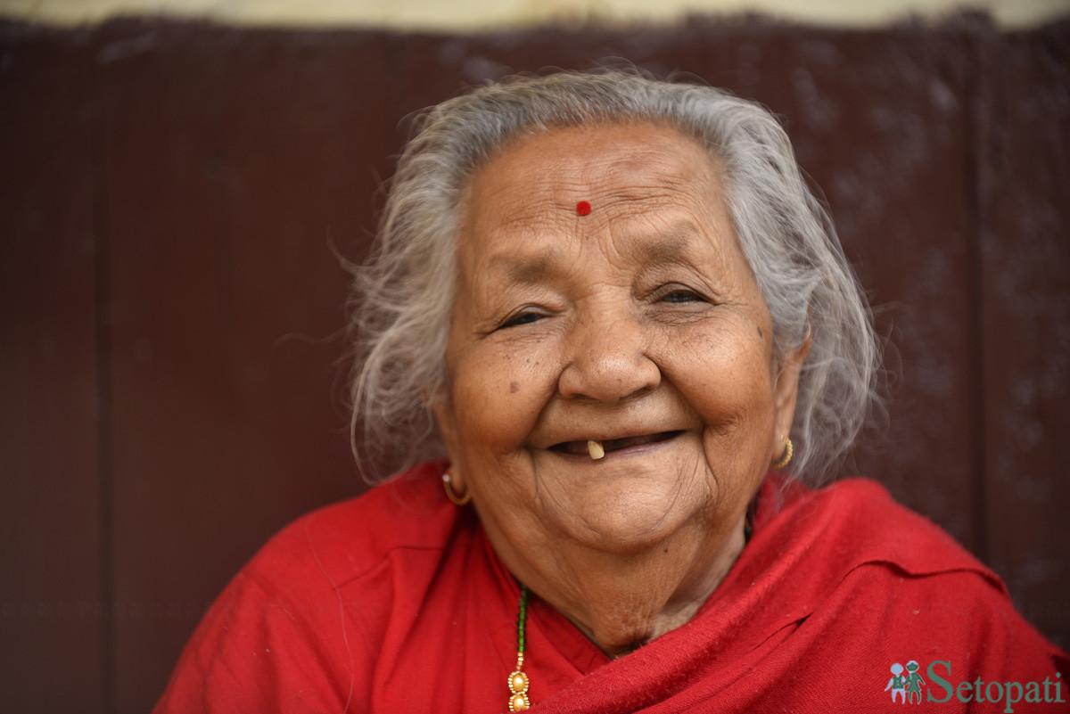 ९७ वर्षीया राधादेवी जोशी। तस्बिरः नारायण महर्जन/सेतोपाटी