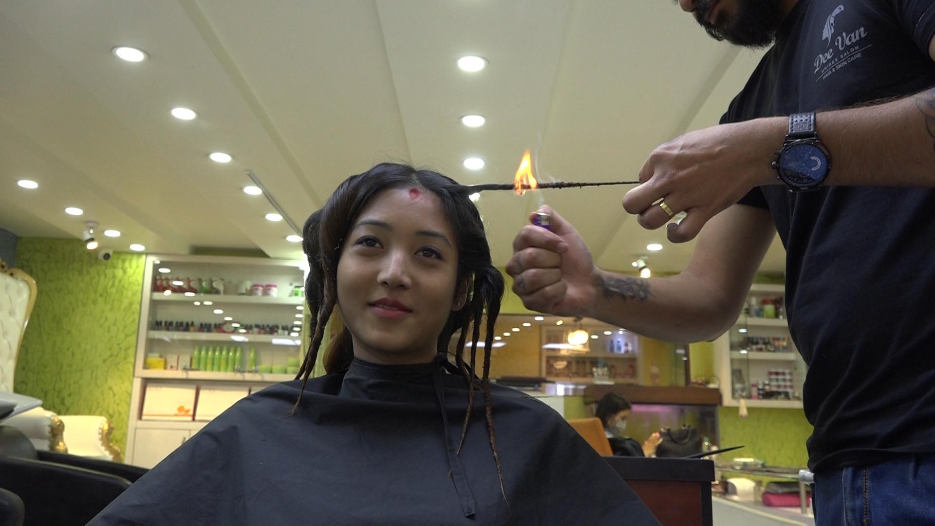 https://img.setopati.org/uploads/images/1568370719fire_hair_cut.jpg