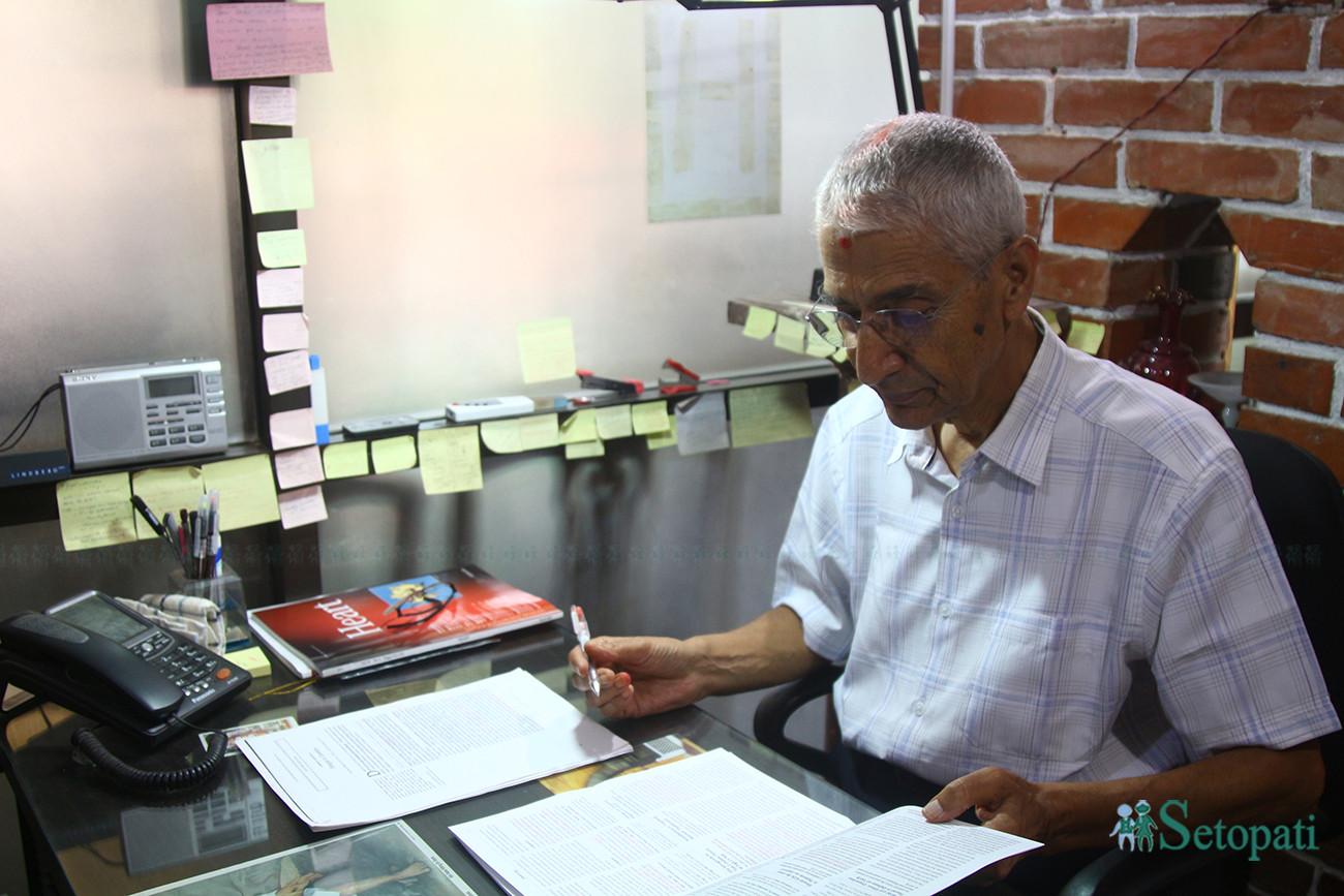'नेपाली टाइम' मा नचल्ने डाक्टर