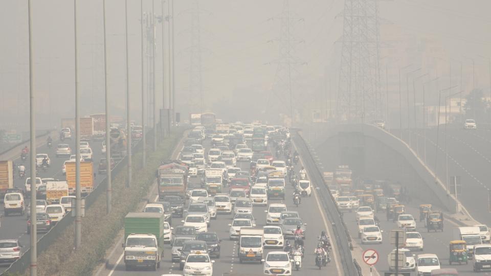 दिल्लीमा लागेको धूलोधुवाँको तुँवालो। तस्बिर: हिन्दुस्तान टाइम्स