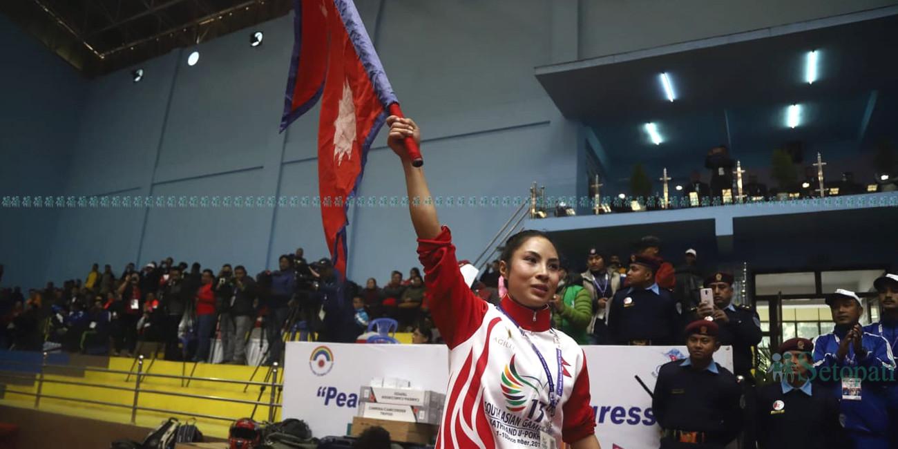 उसुमा स्वरण विजेता सुस्मिता तामाङ । फोटो : निशा भण्डारी/सेतोपाटी