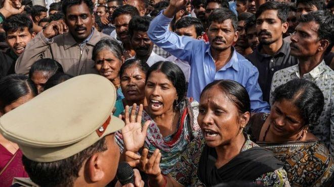 भारतमा डाक्टरलाई बलात्कारपछि जलाउने चार जनालाई प्रहरीले हान्यो गोली