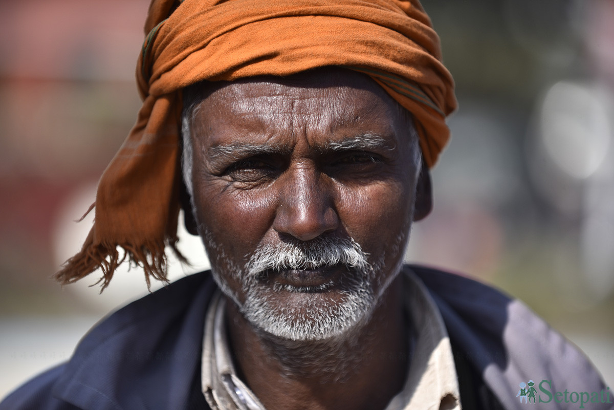 माइतीघरमा विरोध प्रदर्शनमा आएका उखु किसान सीताराम महतो। तस्बिर: नारायण महर्जन