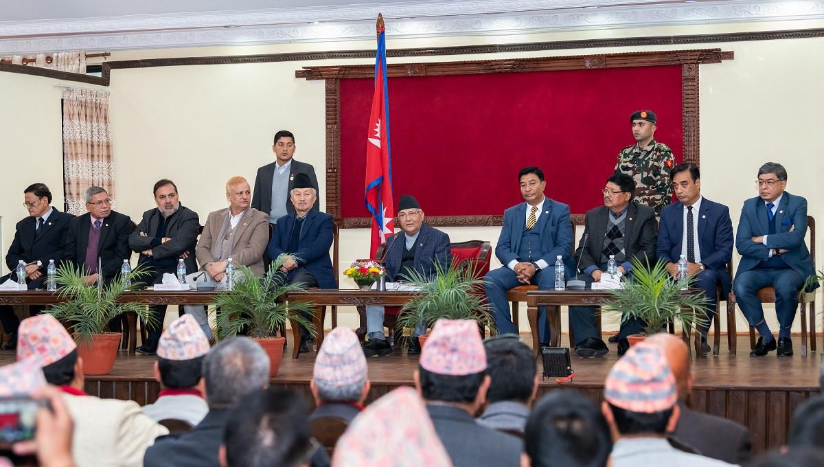 नेपाल चेम्बर अफ कमर्सका प्रतिनिधिसँगको भेटघाटमा प्रधानमन्त्री ओली।