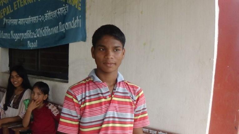 भारत जाँदा रेलमै छुटेका सन्तोषले १२ वर्षपछि आमाबाबु भेटे
