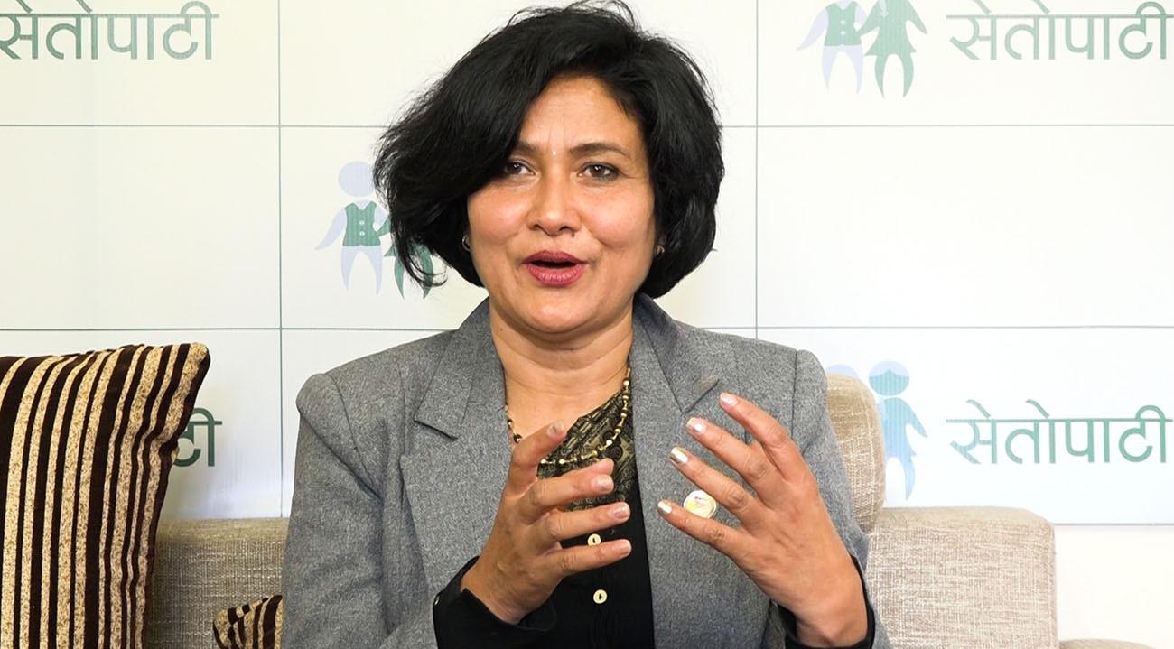 'मेराबारे लेखेका कुराले आमालाई हर्ट गर्दो रैछ'