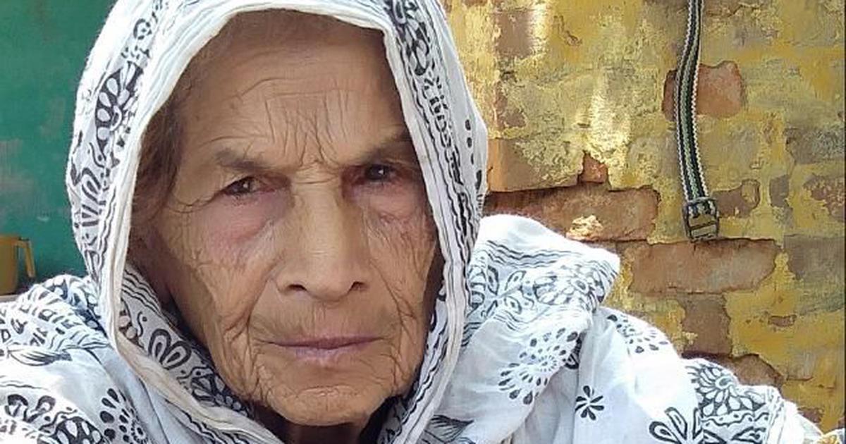 दिल्ली दंगा: दूध किन्न गएका मोहम्मदको घरमा आगो लगाइदिए, जलेर आमाको ज्यान गयो