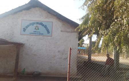 गुमीमा रहेको जनसंयुक्त प्राथमिक विद्यालय, जहाँ गजेन्द्र राना आएपछि निकै सुधार भएको छ। तस्बिरः दिपकजंग शाही/सेतोपाटी