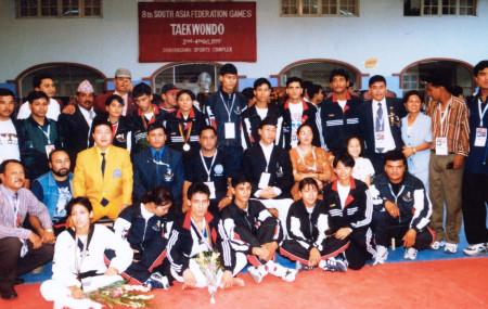 आठौं साफमा १४ स्वर्ण जितेको नेपाली तेक्वान्दो टिम। तस्बिर : नेपाल तेक्वान्दो संघ
