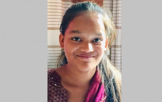 लक्ष्मी खनाल सिन्धुपाल्चोक, पाँचपोखरी थांगपाल गाउँपालिका– ८, लाँगर्चे बस्छिन्। उनी १५ वर्षकी भइन्। श्री लाँगर्चे माध्यमिक विद्यालयमा कक्षा ९ पढ्छिन्।