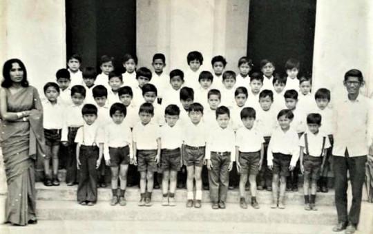 सन् १९७६- कक्षा १, सेन्ट जेभियर्स स्कुल, जावलाखेल