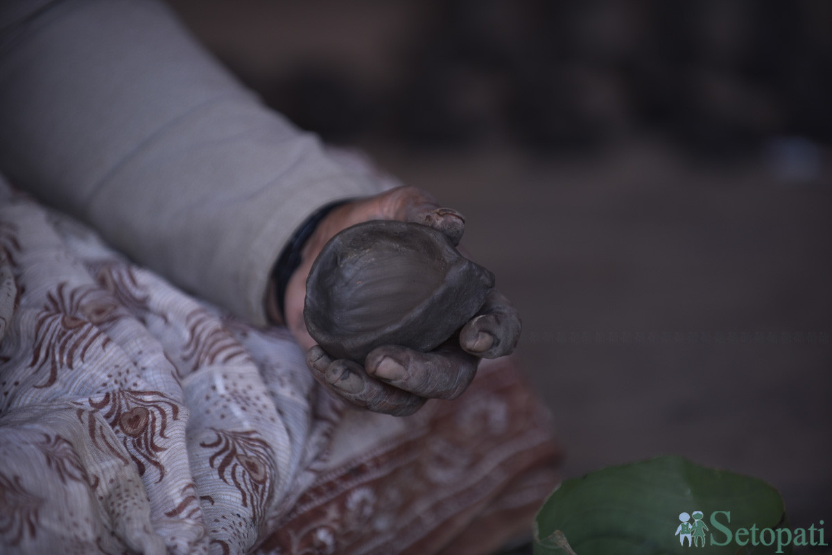 https://raracms.setopati.com/uploads/shares/2019/01/sujita/Mud Pot for Tihar (10).JPG